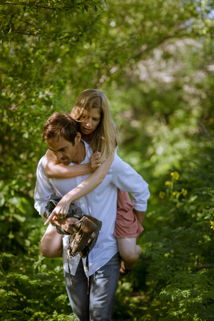 romantic-moody-beach-couple-santa-cruz-7429.jpg