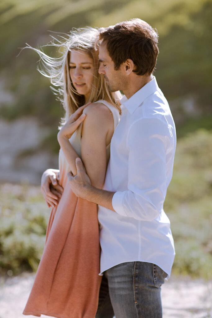 romantic-moody-beach-couple-santa-cruz-7512.jpg