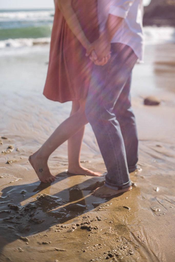 romantic-moody-beach-couple-santa-cruz-7594.jpg