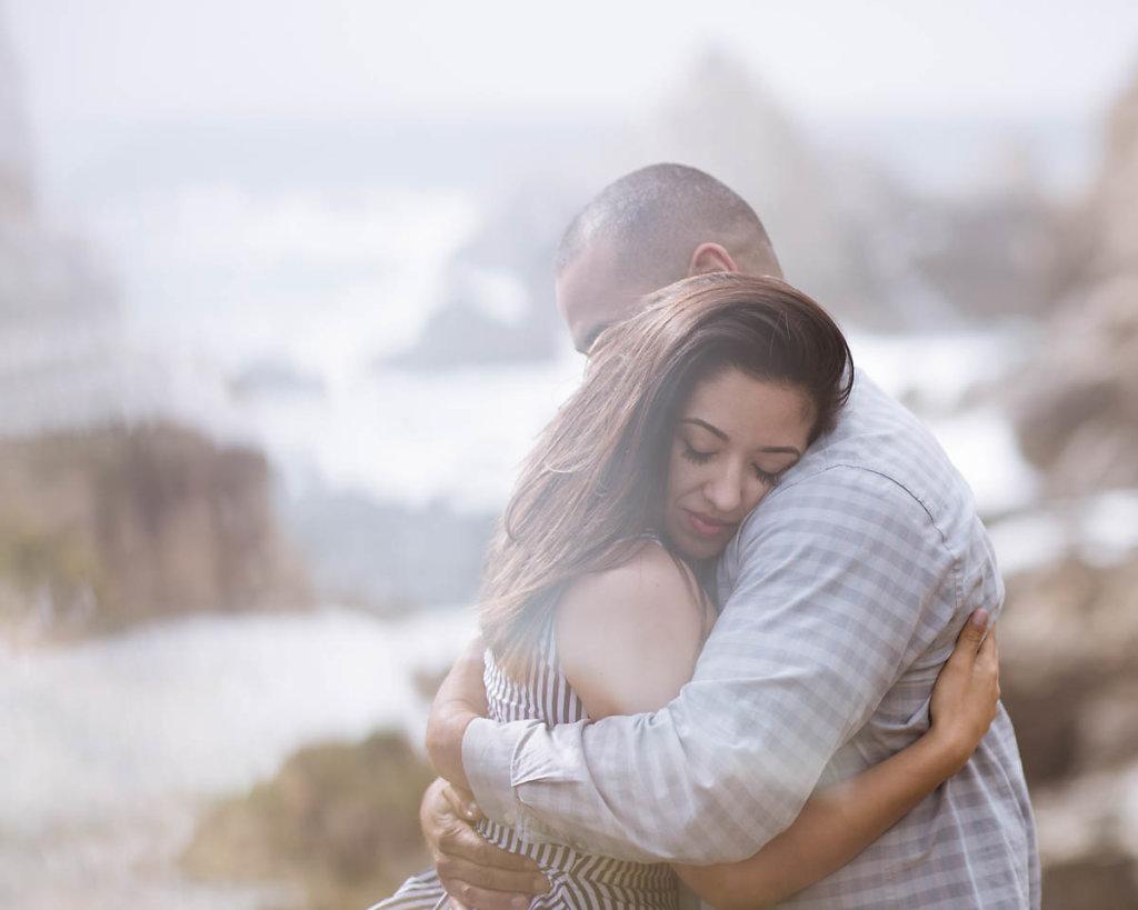 big-sur-couple-dramatic-beach-engagement-4832.jpg