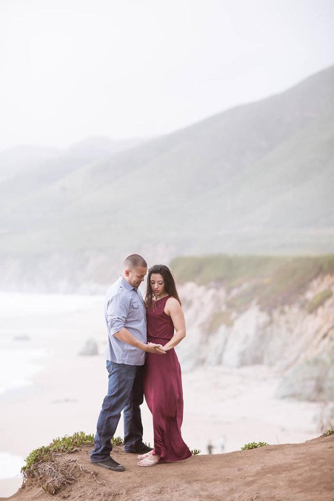 big-sur-couple-dramatic-beach-engagement-4867.jpg